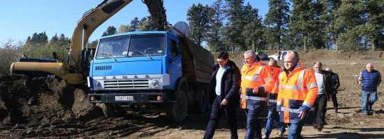 Davit Shavliashvili visited the ongoing rehabilitation works on the municipal landfill of Samtredia დავით შავლიაშვილმა სამტრედიის ნაგავსაყრელზე მიმდინარე სამუშაოები დაათვალიერა